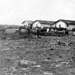 Палманова, Италија, вероватно 7. маја 1945. године. У овом месту недалеко од угословенско-италијанске границе Западни савезници су разоружали јединице Југословенске војске, међу којима је најбројнија била Динарска четничка дивизија