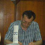 Београд, 2009, са једне трибине у организацији Српске либералне странке. Тада су организовали више трибина и округлих столова на којима сам учествовао. Снимио је неко из публике