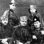 С лева на десно: Аћим Кнежевић, Реља Рајковић и Милојко Галић. Стоје Никица Чолаковић и Никола Шкрба