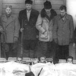 Сахрана четника погинулих у борби против комуниста на Грачацу, 14. јануара 1943. године. У средини стоји војвода Брана Богуновић