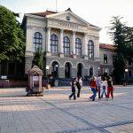Прва Крагујвачка гимназија уједно и прва гимназија у слободној Србији