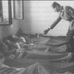 Командант дивизије, генерал Сауберцвајг у посети рањеницима јединице