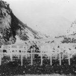 Гробови 26 Дробњака, које су комунисти бацили у један оближњи бунар, па их капетан Иван Ружић са Дурмиторском биргадом извадио и сахранио. Овде су бачени највиђенији људи племена Дробњака