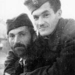 Др Вељко Ћорак и поручник Јован Љубојевић, припадници Медачког одреда, у Медаку 1942. године