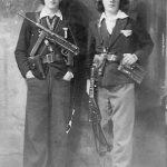 Илија и Мирко Стојсављевић, борци 2. бригаде 1. личког корпуса Динарске четничке дивизије. Мирко је био командир чете