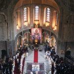 Унутрашњост Храма на дан канонизације Светог Владике Николаја Жичког, 24. маја 2003. године