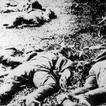Лешеви немачких војника, ликвидираних од стране четника 14. и 15. октобра 1941. на путу Крагујевац - Горњи Милановац. Љотићевци тврде да су партизани оскрнавили ове немачке лешеве. Међутим, прво, партизани нису учествовали у борбама, и друго, Немци, који су начинили ове фотографије, своје погинуле су одмах стављали на камионе