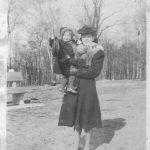 Жена и дете немачког војника са претходне слике