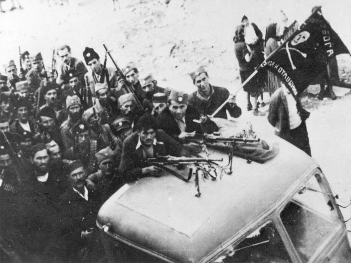 Пребацивање трупа према Сарајеву на камионима заплењеним у Вишеграду 5. октобра 1943. године
