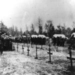 Шумарице, октобра 1941. Немци сахрањују своје изгинуле војнике, испод каменог лава. Овде је било немачко војничко гробље и из Првог светског рата, одмах поред српског војничког гробља. Комунисти су после уништили и српско и немачко војничко гробље. Српско је делимично обновљено 1998. године
