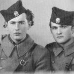 Јовица и Милош Бракус, четници Личкокордунашког корпуса. Јовица је био национални повереник 1. батаљона 1. бригаде (живи у Канади), а Милош командант 1. јуришног батаљона (преминуо 1998. у Аустралији)