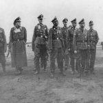 Приликом посете Краљеву. Химлер други с десна, Флепс пети.