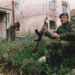 Гуслар из Неђарића у Сарајеву, 25. септембра 1995, на првој