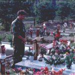 Нико Кисић на гробу свог сина Игора, најмлађег четника СНИМИО: Младен Кртолина