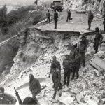 Наступање резервиста ЈНА изнад Цавтата, после повлачења хрватских ЗНГ, који су минирали Јадранску магистралу, 20. октобра 1991. године СНИМИО: Горан Вељковић