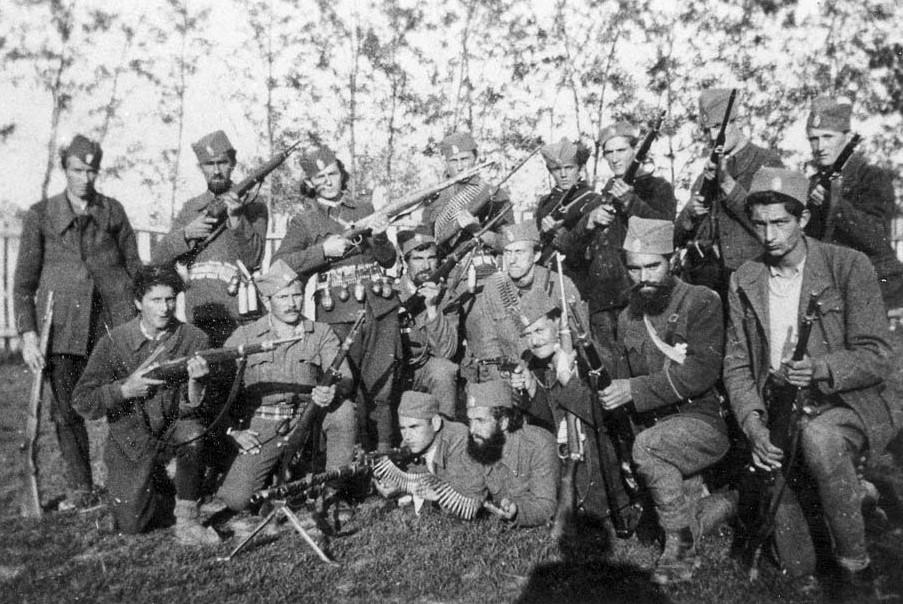 Јединица Јевреја под командом генерала Драже Михаиловића. Фотографија из музеја Вад Јашем
