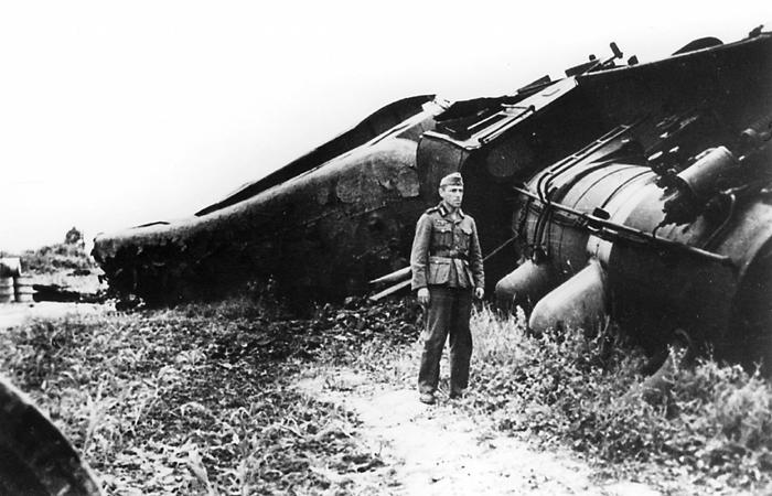 Србија, током Другог светског рата: немачки воз после диверзије