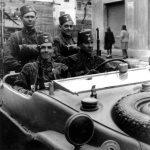 """Група """"ханџарлија"""". Велики део ове дивизије ће током 1944. године дезертирати и прићи Титовом покрету, где ће бити примани без провере ратне прошлости."""