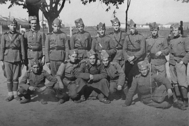 Љотићевци, у једној касарни (Фото: Историјски архив Шабац)