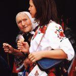 Каленић 2002. Баба и унука