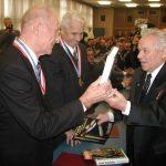 Чувени конструктор Михаил Калашњиков приликом посете Крагујевцу