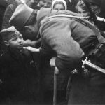 Капетан Властимир Весић, командант Делиградског корпуса, са својим сином
