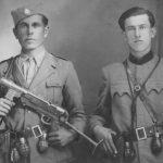 Гојко Илић (преминуо око 1980) и Милош Илић (живи у Попову Пољу)