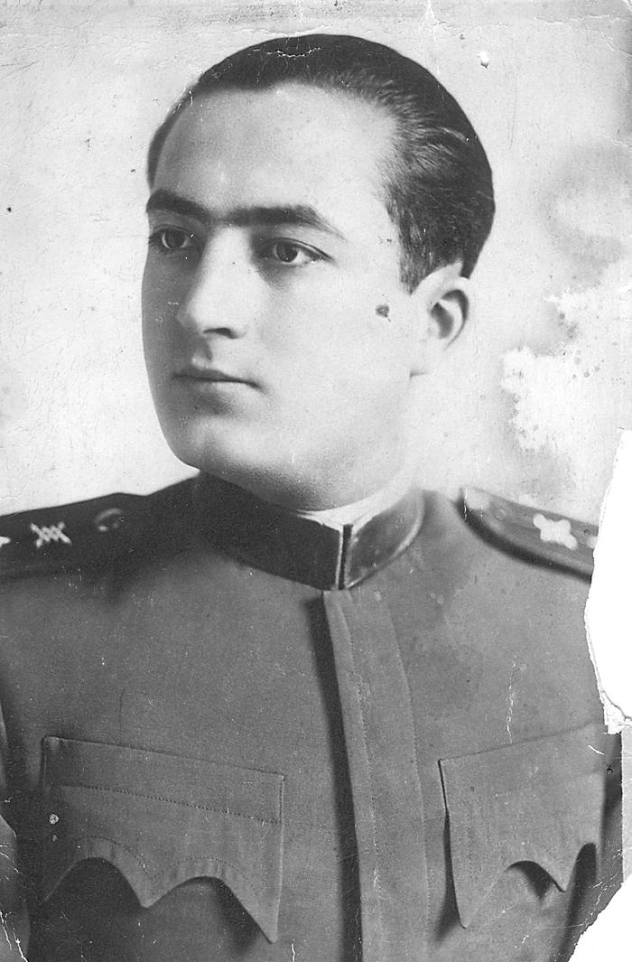 Мајор Радослав Филиповић у Београду 1931, као питомац