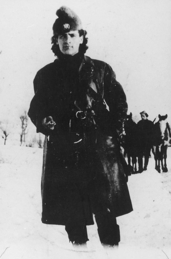 Поручник Радомир Петровић Кент, командант Бољевачке бригаде, на снимку из јануара 1944. године