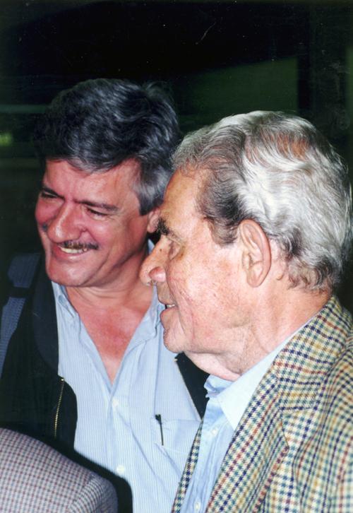 Кент са сином Петром на сурчинском аеродрому маја 2001. године