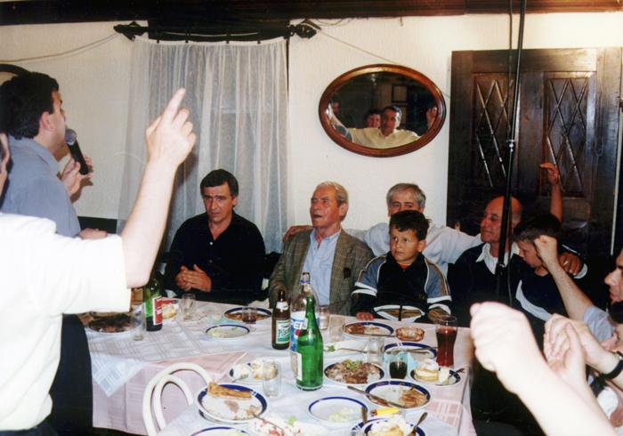Са фамилијом у ресторану ''Синђелић'' у Нишу