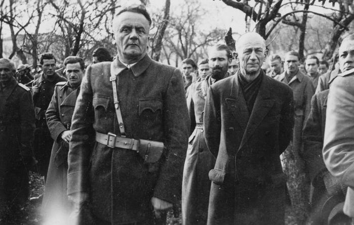 Војвода Јевђевић са саборцима у зиму 1944/45.