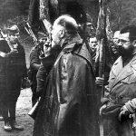Село Ба, 28. јануара 1944: Драгиша Васић љуби ратну заставу