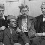 У области Косјерића, лета 1943: Бранко Михаиловић, Воја Михаиловић и Мијалко Перишић (горњи ред)