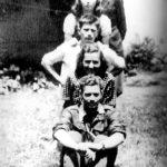 У Субјелу, вероватно 1943: Бранко, Бранка Протић из Субјела, гимназијалка, после рата најбоља Горданина пријатељица (преминула је око 2000. године у Земуну), Војислав, Гордана и Љубивоје Протић, Бранкиб брат (погинуо је у Босни 1945)