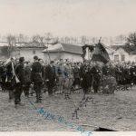 Заклетва Сврљишке бригаде у Галибабинцу. У првом плану ке поручник Мирко Ћирковић из Пирота (пог. фебруара 1945)
