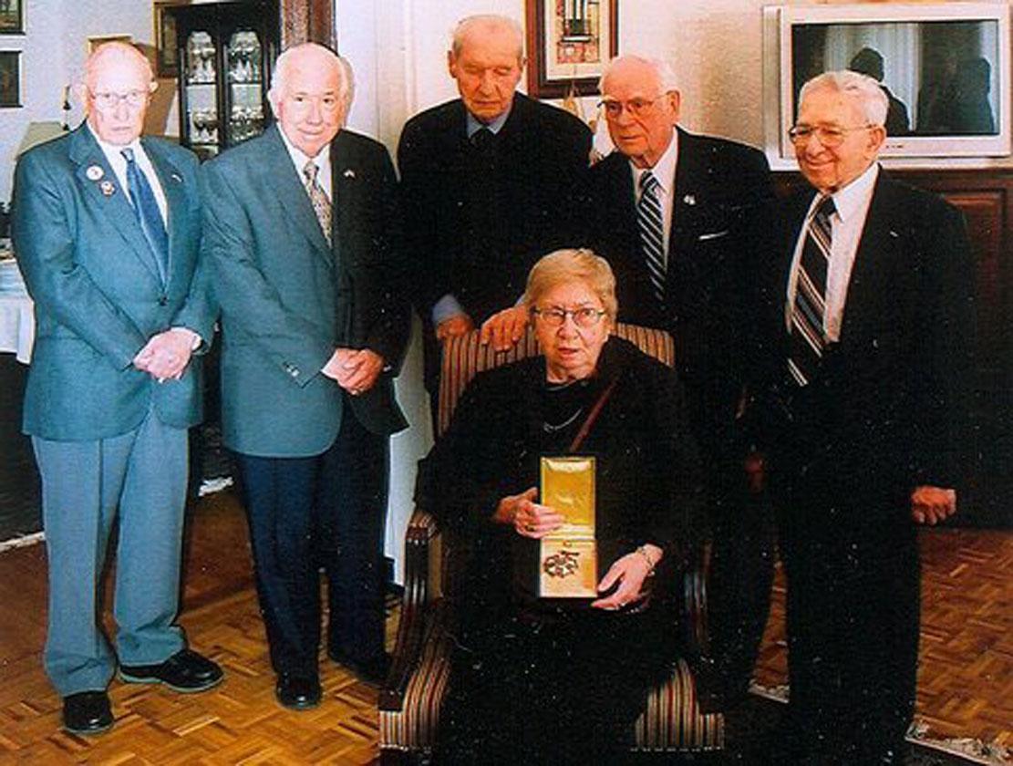 Америчка амбасада у Београду, 2005: Гордана прима Дражин орден Легија заслужних