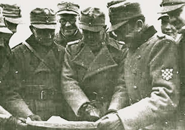 Марко Месић као усташа под Стаљинградом (у средини)
