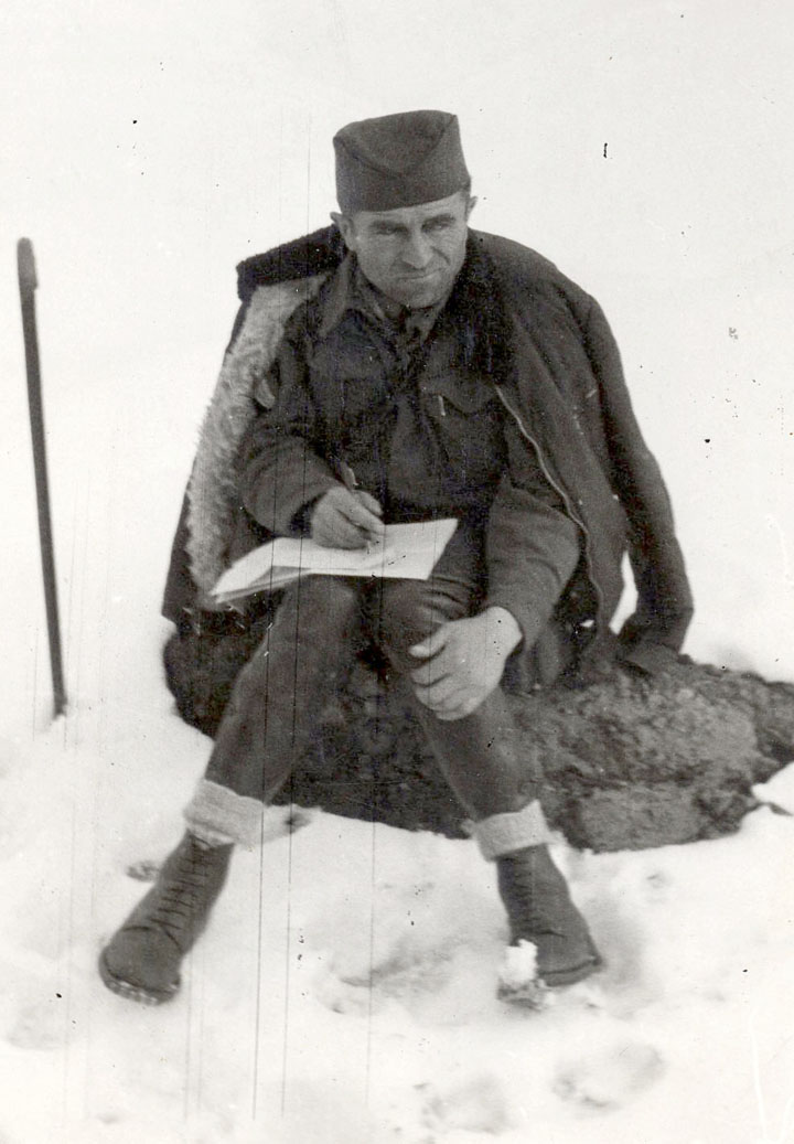 Потпуковник Алекса Драшковић у зиму 1944/45.