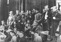 """Борци батаљона """"Старац Вујадин"""" марта 1942. године код села Сајковића"""