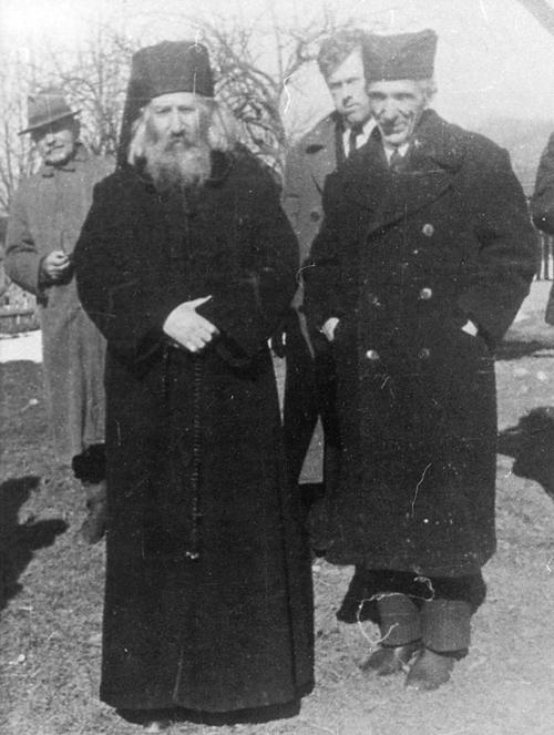 Митрополит Црногорско-приморски Јоаникије и чланови Националног комитета из Црне Горе на Вучјаку марта 1945. године