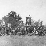 Припадници Бољевачке бригаде са народом, после заклетве