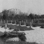 Четничко гробље крај логора Еболи, у месту Батипаље.  Од септембра 1945. до априла 1947. овде је сахрањено 96 особа, према прописима за војничка гробља. Касније суИталијани пренели посмртне остатке у крипту испод цркве Свети Никола уБарију, где се и данас налазе. Не знају се имена седам покојника, а три имена су некомплетна