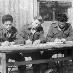 Еболи, 13. априла 1947.  Час под ведрим небом