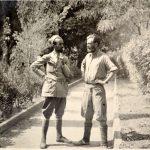 Пејановић (на фотографији десно) са капетаном Иваном К. Јаничићем