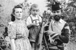 Током рата: Милка, Душко и Брана Богуновић