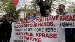 CETINE, Crna Gora - 28.april 2017: U organizaciji Demokratskog fronta i nekoliko organizacija koje se protive ulasku Crne Gore u NATO, na Cetinju je održan protest protiv članstva Crne Gore u ovaj vojni savez. Protest je održan ispred zgrade Prijestonice Cetinja, gdje poslanici danas glasaju o učlanjenju Crne Gore u Alijansu  ( Adel Ömeragiç - Anadolu Agency )